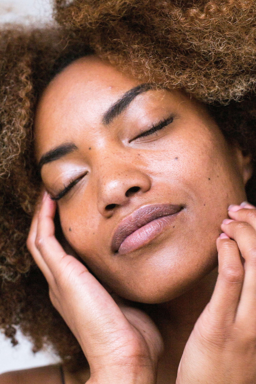 11 marcas de cosméticos nacionais e naturais para conhecer e amar
