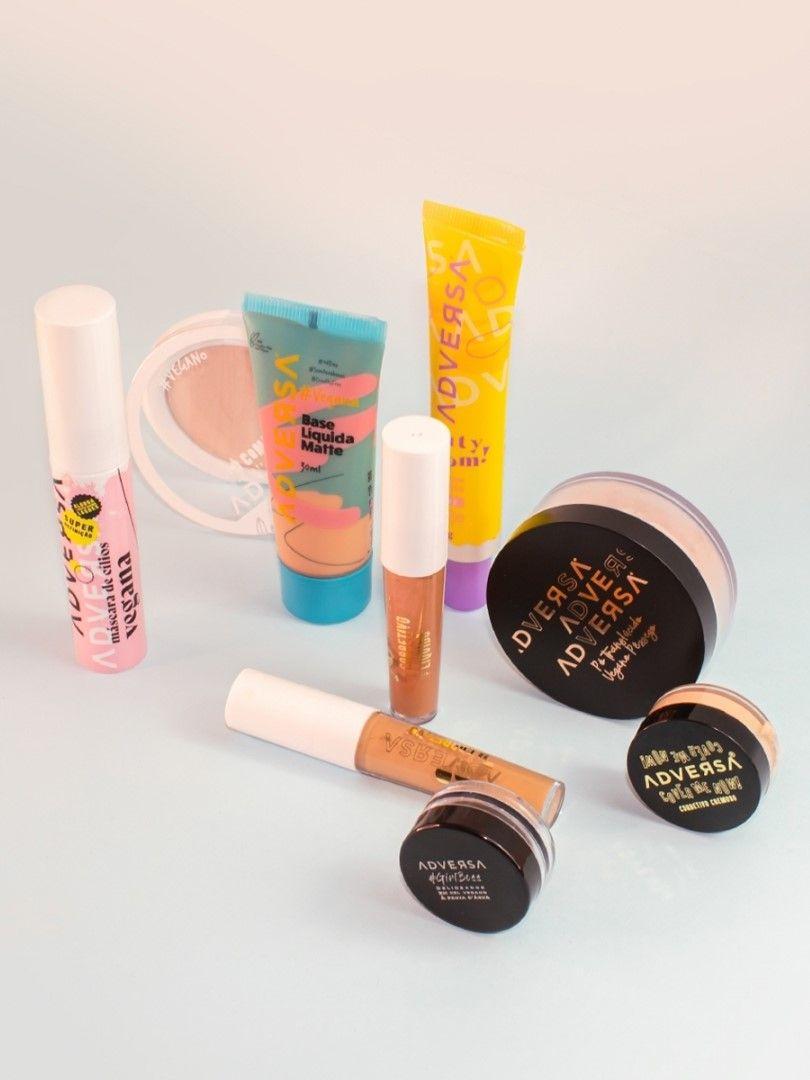 """Adversa Makeup: a marca vegana e """"tupiniquim"""" que você precisa conhecer"""